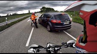 getlinkyoutube.com-Angry Guy tries to overrun biker !! GERMAN ROADRAGE