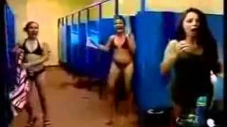 getlinkyoutube.com-Hidden Camera in Ladies Toilet الكاميرا الخفية في حمامات النساء   just look