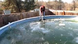 getlinkyoutube.com-Frozen Pool Bashing (And fall through)