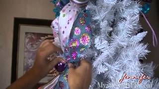 getlinkyoutube.com-Decoración Navideña Colas de Cintas Arbolito :::... ☆ Jennifer Perez of Mystic Nails ☆