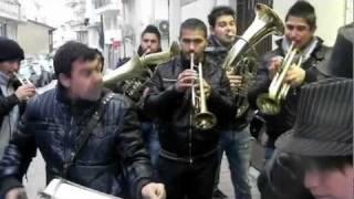 getlinkyoutube.com-Ξεκίνησαν τα γλέντια με τα χάλκινα στην Καστοριά6