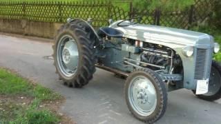 getlinkyoutube.com-Ferguson TE-20 Baujahr 1949; Chevy V8; V8 Traktor