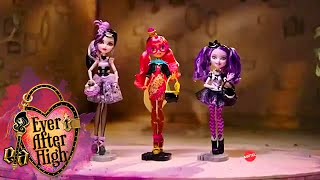 getlinkyoutube.com-Ever After High™ Ginger Breadhouse, Kitty Cheshire & Duchess Swan Dolls Commercial ★