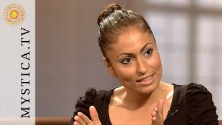 getlinkyoutube.com-MYSTICA.TV: Bahar Yilmaz - Wir sind alle medial!