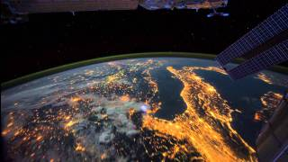 getlinkyoutube.com-All Alone in the Night - Time-lapse footage of the Earth as seen from the ISS