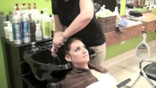 getlinkyoutube.com-Curly Hair - Deva Curl Three Step Process
