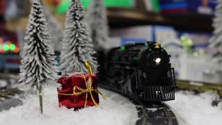 getlinkyoutube.com-Lionel HO #58018 Polar Express Berkshire HO Scale Locomotive and Tender With Remote