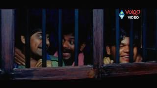 Jr NTR And Sameera Reddy  Scene From Narasimhudu Movie..