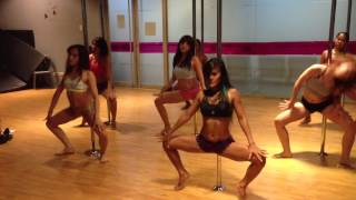 getlinkyoutube.com-Naughty Girl - Beyoncé Pole Dance