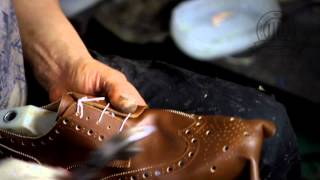 getlinkyoutube.com-Diamond Walker bespoke shoes - a quick look at our shoemaking process!