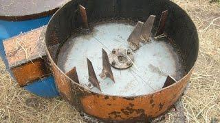 getlinkyoutube.com-Соломорезка с ножами из диска циркулярки