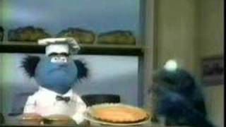 getlinkyoutube.com-Cookie Monster at the bakery - Classic Sesame Street