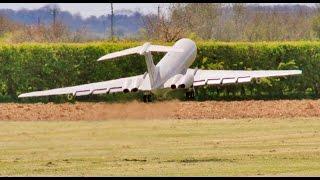 getlinkyoutube.com-GIANT SCALE RC VICKERS VC-10 4.9mtr W/SPAN RAF FUEL TANKER - LMA RC MODEL AIRSHOW EAST KIRKBY - 2016