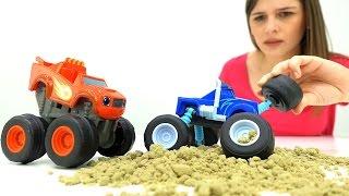 Видео для детей: Чудо Машинки. #ВСПЫШ ищет Крушилу. Той клаб - ищем #игрушки