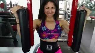 getlinkyoutube.com-Stunning latina training her pecs
