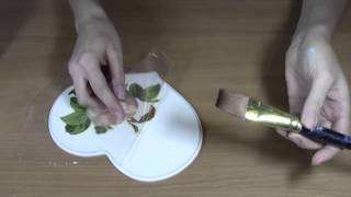getlinkyoutube.com-Декупаж: Как приклеить салфетку без складок.Приклеиваем салфетку методом файлика.