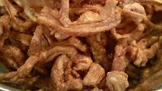 getlinkyoutube.com-C/w Nana: Lao Fried Pork Ears (ຂຽບຫູໝູ == Khiab Hoo Moo)