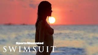 getlinkyoutube.com-Bianca Balti Shows You Why She's 2017 Rookie Of The Year | Sports Illustrated Swimsuit