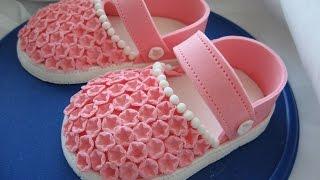 getlinkyoutube.com-Как сделать сандалики для девочки из сахарной мастики