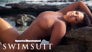 getlinkyoutube.com-Ashley Graham Makes Some Magic In Fiji | Uncovered | Sports Illustrated Swimsuit