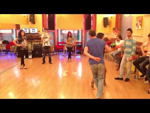 Orta seviye salsa dans dersi