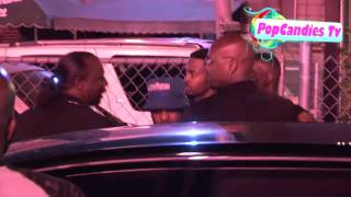 getlinkyoutube.com-Crip Gang Member Approaches Lil Wayne After The Club And Tells Him To  Check In  While In LA!