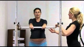 Pilates Embarazo: Ejercicio estirar el brazo
