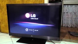 getlinkyoutube.com-TV LG 42LW5700 Liga e Desliga intermitentemente (Se prende y se apaga sola)