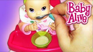 getlinkyoutube.com-Baby Alive Kicks n Cuddles Newborn Doll Morning Routine Potty Training
