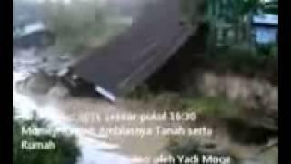 getlinkyoutube.com-Video yang Diklaim Penampakan Ular Lembu di Desa Sebulu Ilir Kab Kutai Kurtanegara 28 Agustus 20111]