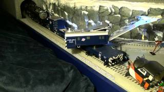 getlinkyoutube.com-Lionel  TMCC Crane Car Set & Vision Challenger