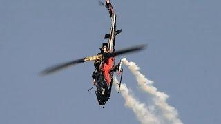 getlinkyoutube.com-The Flying Bulls Bell AH-1 Cobra passenger-demo flight at RedBull-Class FM Morning show, Budaörs