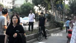 getlinkyoutube.com-上海民众探望冯正虎 高呼口号
