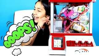 THE CLAW Machine Game Candy and Toy Surprises| B2cutecupcakes