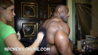 getlinkyoutube.com-2016 IFBB Pittsburgh Pro Guest Posers Pumping Up Backstage