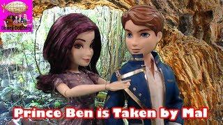 getlinkyoutube.com-Descendants Prince Ben is Kidnapped By Mal - Part 2 - Looks Can't Deceive -Descendants Disney