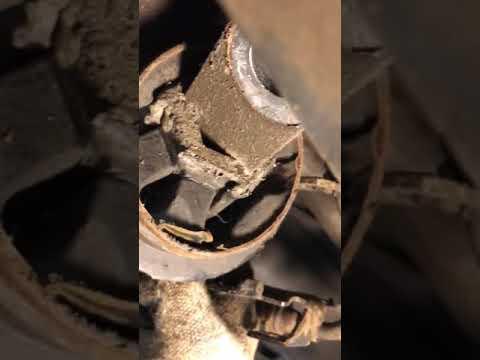 Где в Volvo S90 сайлентблоки задних рычагов