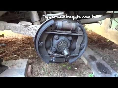 Tonella - troca do retentor da roda traseira do fusca em ILHABELA