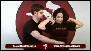 getlinkyoutube.com-How to tie a basic chest harness with Twisted Monk