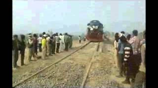 getlinkyoutube.com-mainpuri to etawah railline test 31 jan 2016