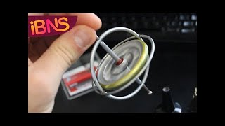 getlinkyoutube.com-Playing with a gyroscope - cool physics toy