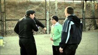 Спортсмен тайский боксер против хулиганов! Красавчик  Браво