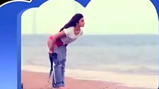 When ALIA BHAT remove clothes 😵😵 on a beach hot seen