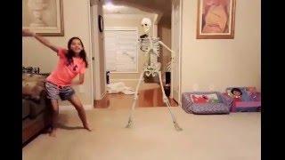 getlinkyoutube.com-Dancing with skeletons