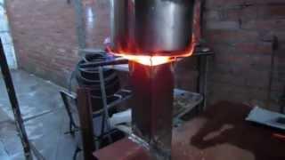 getlinkyoutube.com-Estufa portatil de metal  (rocket stove)
