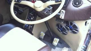 "getlinkyoutube.com-VW bus kombi interior custom seats power window dashboard 18"" rims projector screen"