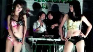 getlinkyoutube.com-lien khuc pham truong dance
