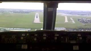 getlinkyoutube.com-ATERRIZAJE EN CABINA 737-800 ORLY PARIS LANDING COCKPIT