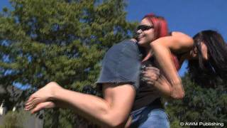 getlinkyoutube.com-Talina Cote Fireman Carry with Amy #2