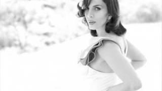 Sertab Erener – Bu Böyle şarkısı mp3 dinle